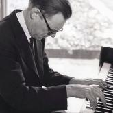 nowak_lionel_at_piano.jpg